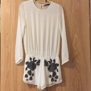 Zara Trafaluc size small White romper with beading